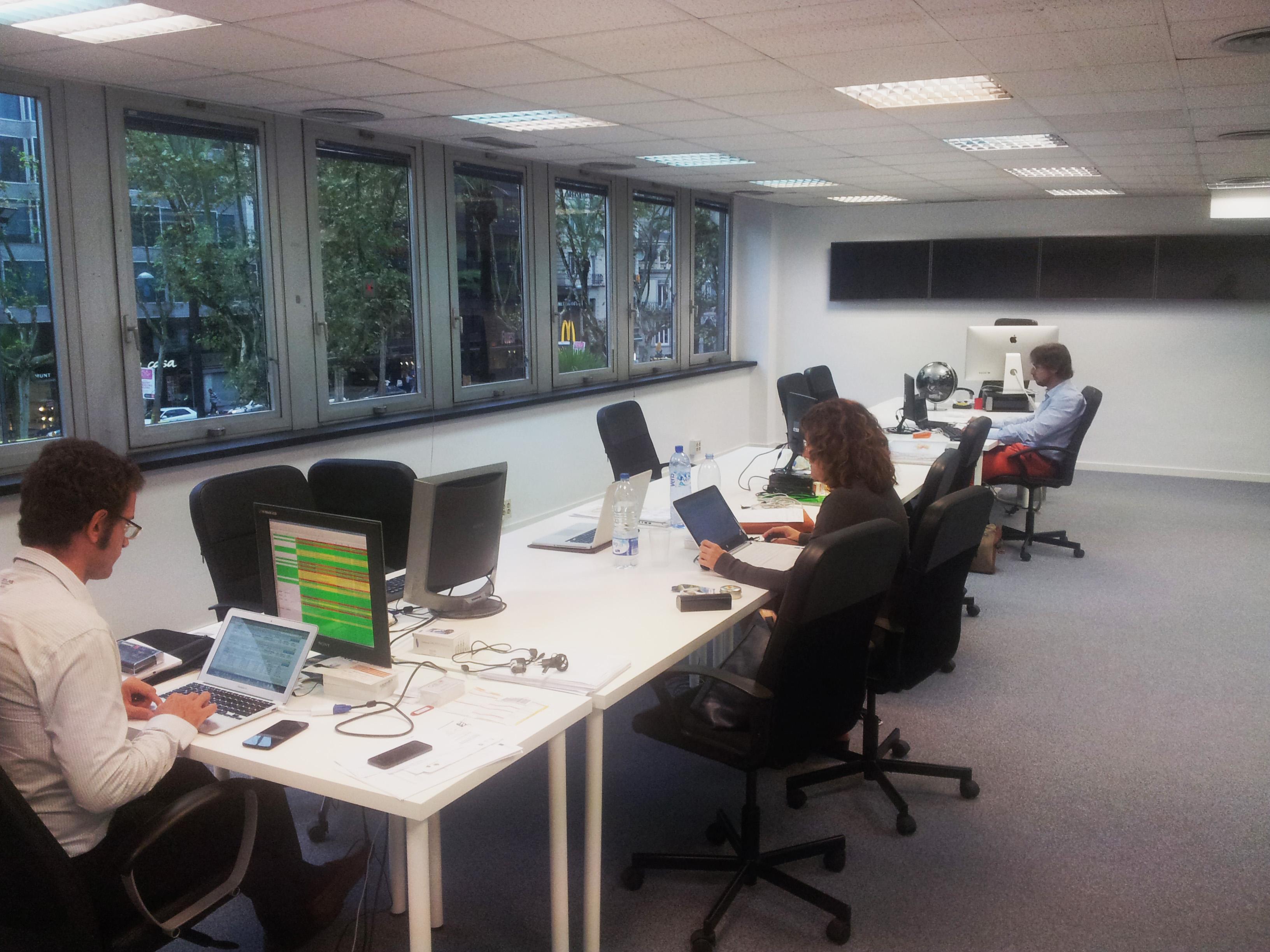Estrenamos nueva oficina en barcelona call2world for Oficina ups barcelona